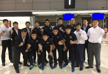 フランスへ出発する全日本グレコローマンチーム